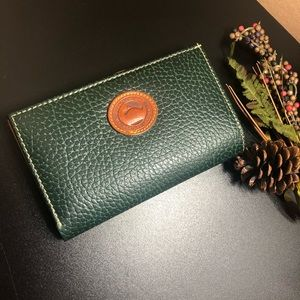 Dooney & Bourke‼️🍂leather wallet
